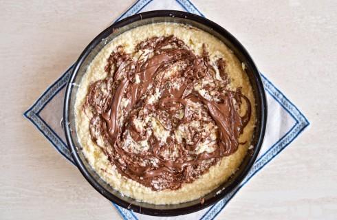 La preparazione della torta cocco e nutella