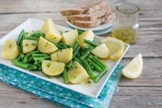 Insalata di patate e fagiolini, ricca e nutriente
