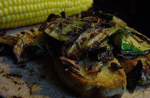 Zucchine arrostite sott'olio, come prepararle con la ricetta da fare in casa