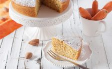 La torta mandorle e carote con la ricetta per il Bimby