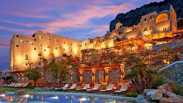 Monastero-Santa-Rosa-Hotel-and-Spa-in-Italy1