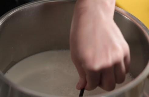 il_latte_per_la_crema_pasticcera