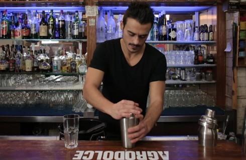 la_preparazione_del_gin_fizz_001