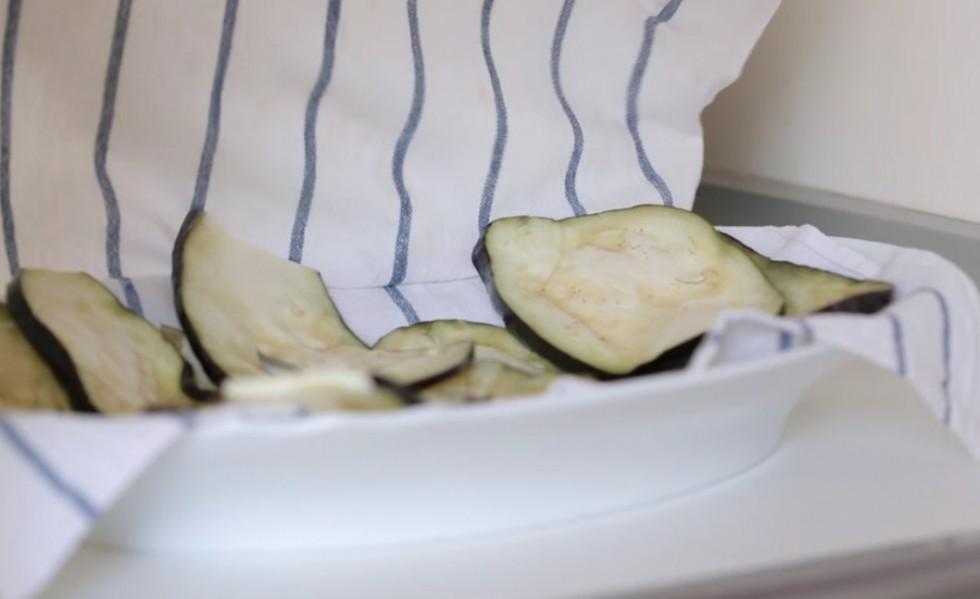Come fare la parmigiana di melanzane step by step - Foto 8