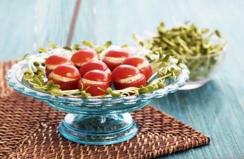 Pomodori ripieni freddi al formaggio