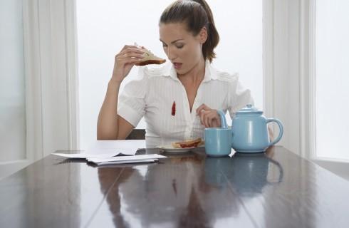 Come pulire le più ostinate macchie di cibo