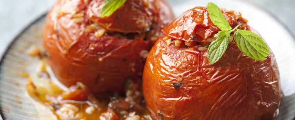 Pomodori ripieni di riso: infallibile seduzione