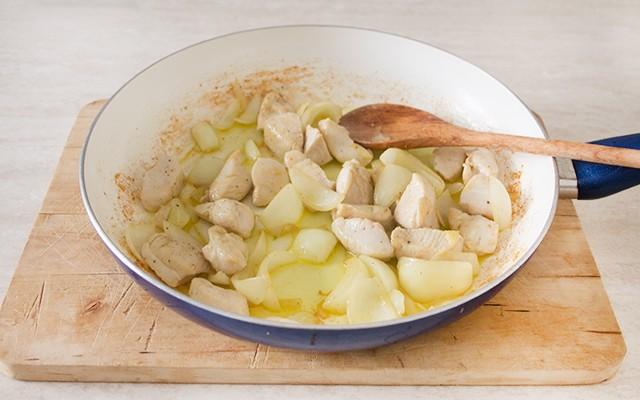 Preparazione del cous cous di pollo