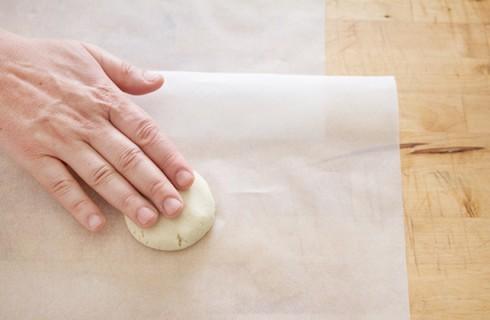 La preparazione delle tortillas di mais per le quesadillas