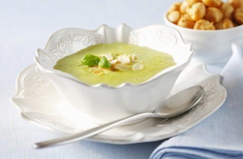 Vellutata di zucchine: zuppa tiepida estiva
