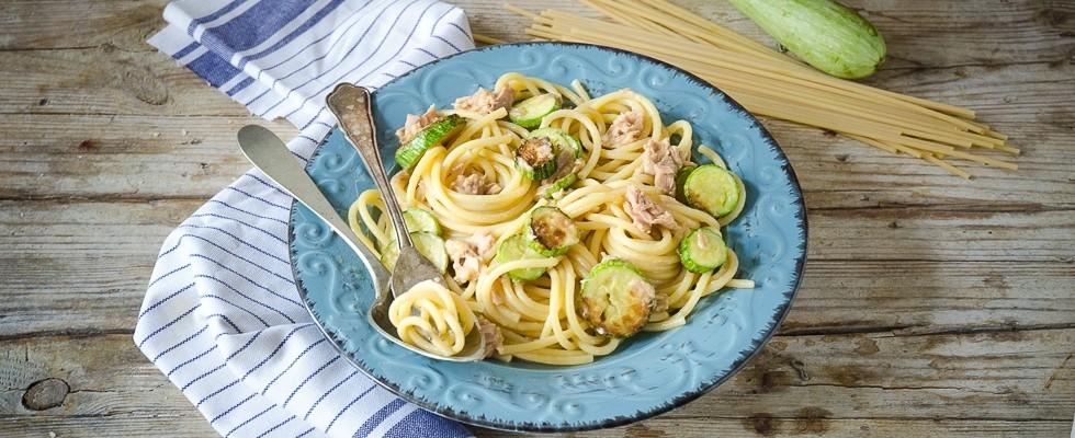 La pasta zucchine e tonno