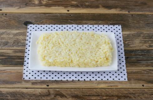 La preparazione delle crocchette di riso