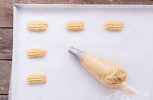 Il confezionamento dei biscotti al latte