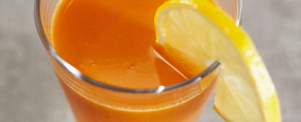 Centrifugato di carote, arance e limone