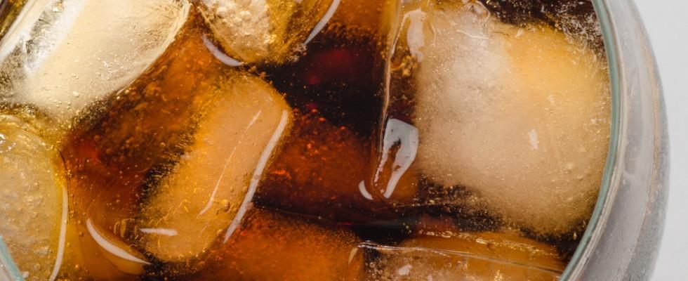Chi ha inventato la bevanda gusto cola?