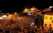 Collisioni a Barolo: rock, wine & food