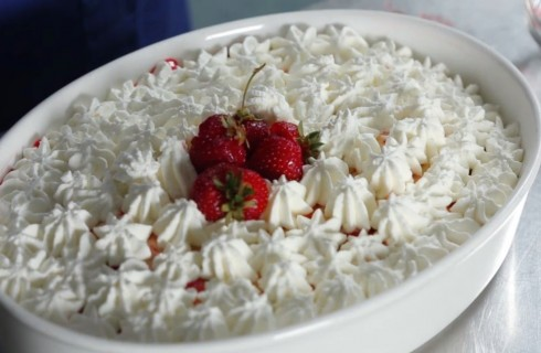 Tiramisu alle fragole: la video ricetta