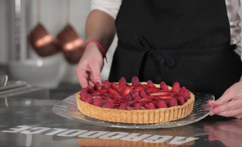 La ricetta della crostata di frutta step by step - Foto 8