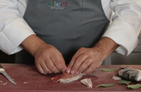 la_preparazione_dei_saltimbocca_di_mare