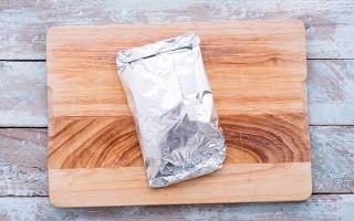 La carta alluminio fa male?