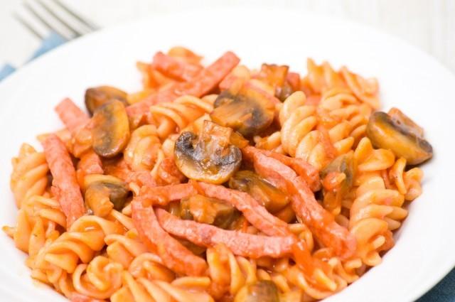 Arrabbiata funghi e pancetta