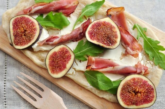 pizza con fichi e prosciutto