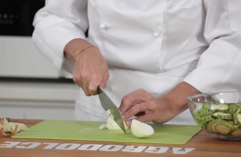 la_preparazione_dello_sformato_di_zucchine