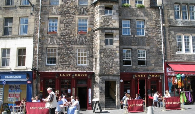 The last drop pub edimburgo