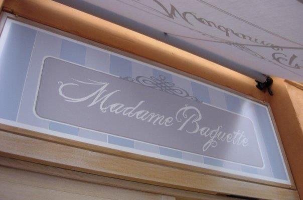 Madame Baguette, Roma