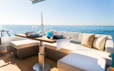 Menu da barca: ricci, polpo, fichi d'India