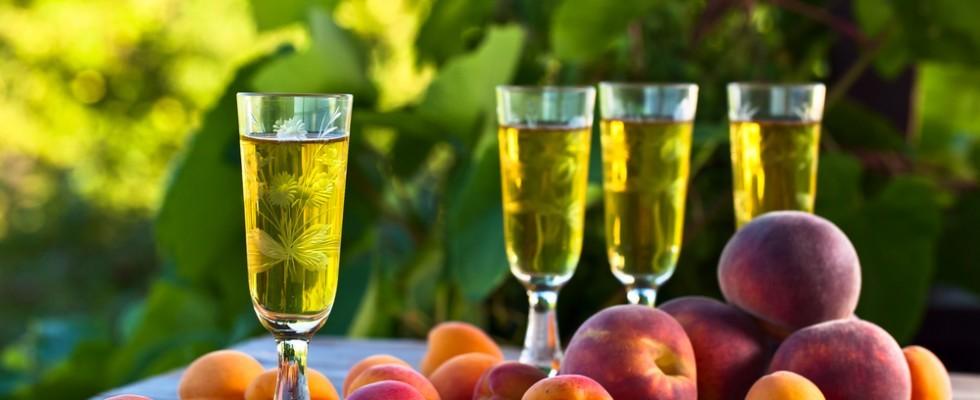 Come preparare il liquore di noccioli