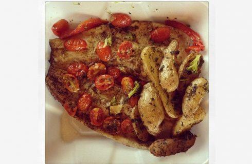 La ricetta della trota in padella con pomodorini