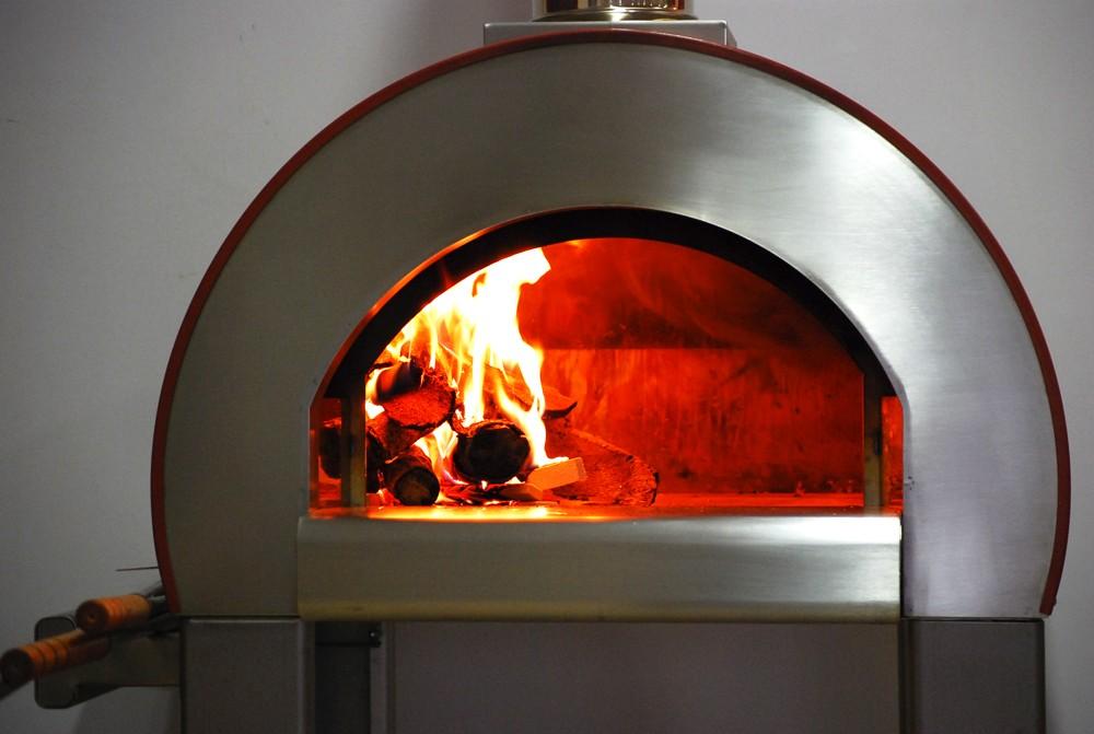 Forni per pizza guida alla scelta agrodolce - Forni per pizza a legna per casa ...