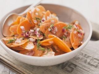Insalata di carote al limone