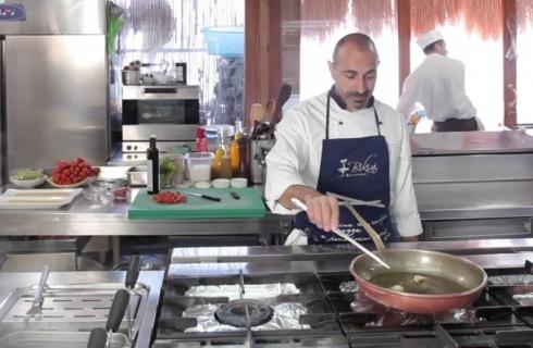 la_preparazione_degli_spaghetti_al_pomodoro