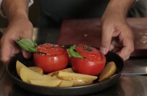 la_preparazione_dei_pomodori_con_il_riso_001