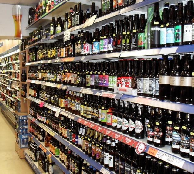scaffale di birre