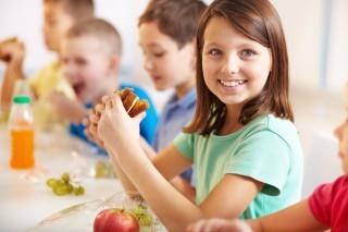 Merenda salutare a scuola: cosa mettere nello zaino dei più piccoli