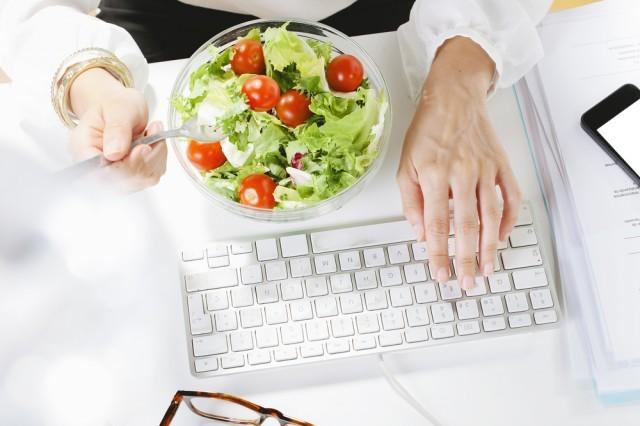 Mangiare e lavorare