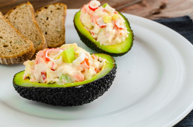 insalata di pesce e avocado