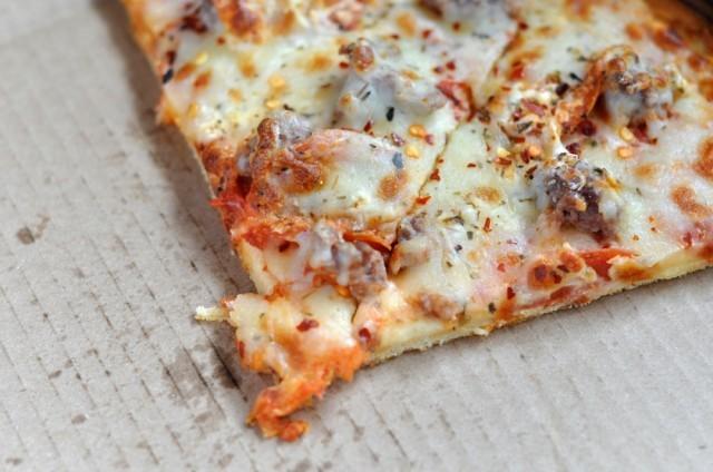 Pizza nel cartone
