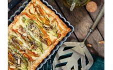 La ricetta della torta salata con stracchino e fiori di zucca da gustare fredda