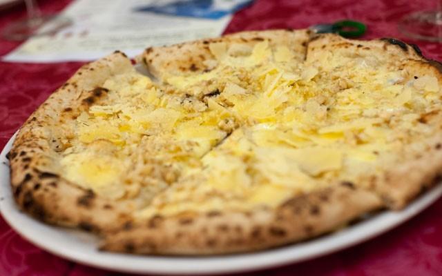 Pizza Gatta Mangiona