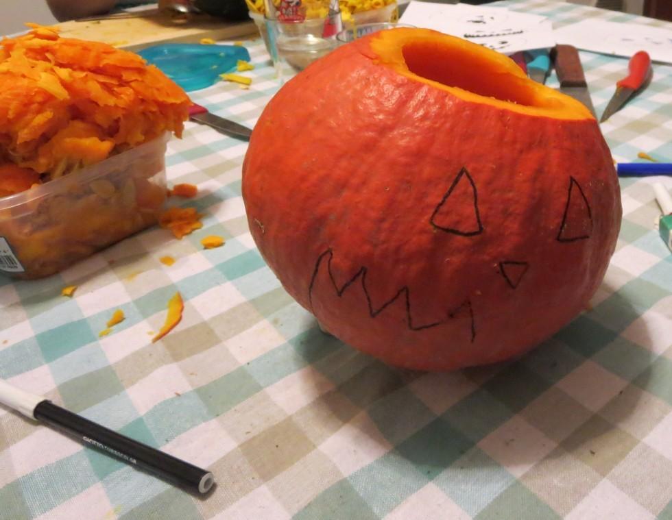 Come intagliare la zucca per Halloween - Foto 5