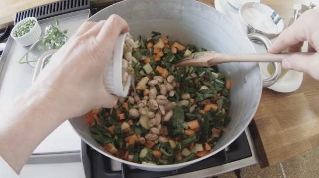 Minestrone -aggiungete i fagioli