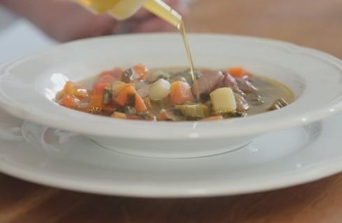 Minestrone di verdure: la video ricetta