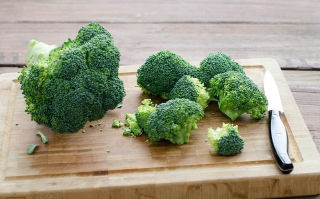 Pasta broccoli e salsiccia - i broccoli