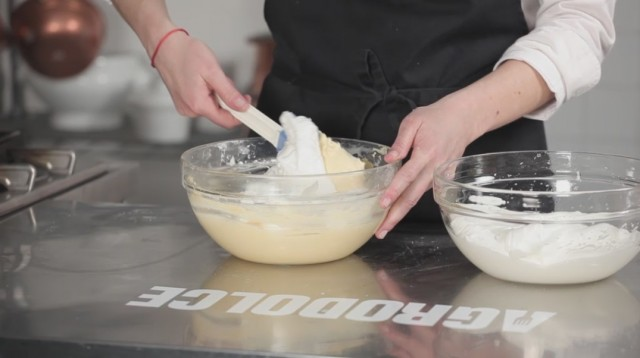 Torta Margherita - 5 incorporate l'albume