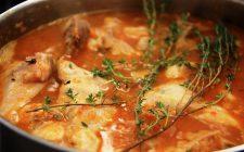 La ricetta del coniglio con peperoni al forno