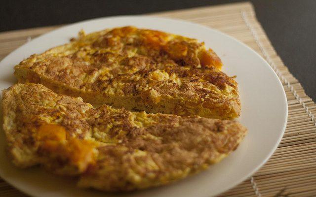 Ecco la frittata alla zucca e cipolla con la ricetta facile